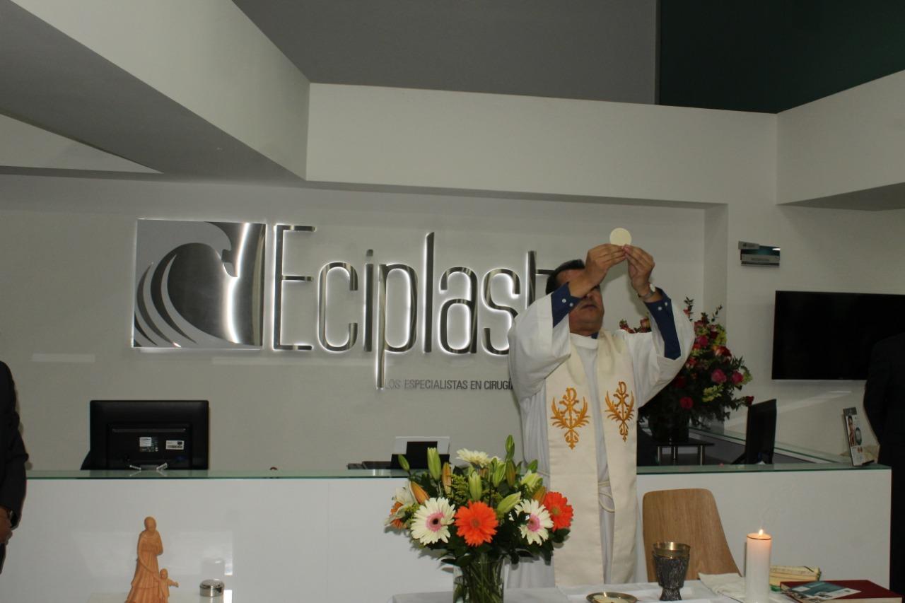 Especialistas en Cirugía Plástica inauguró su nueva sede 9