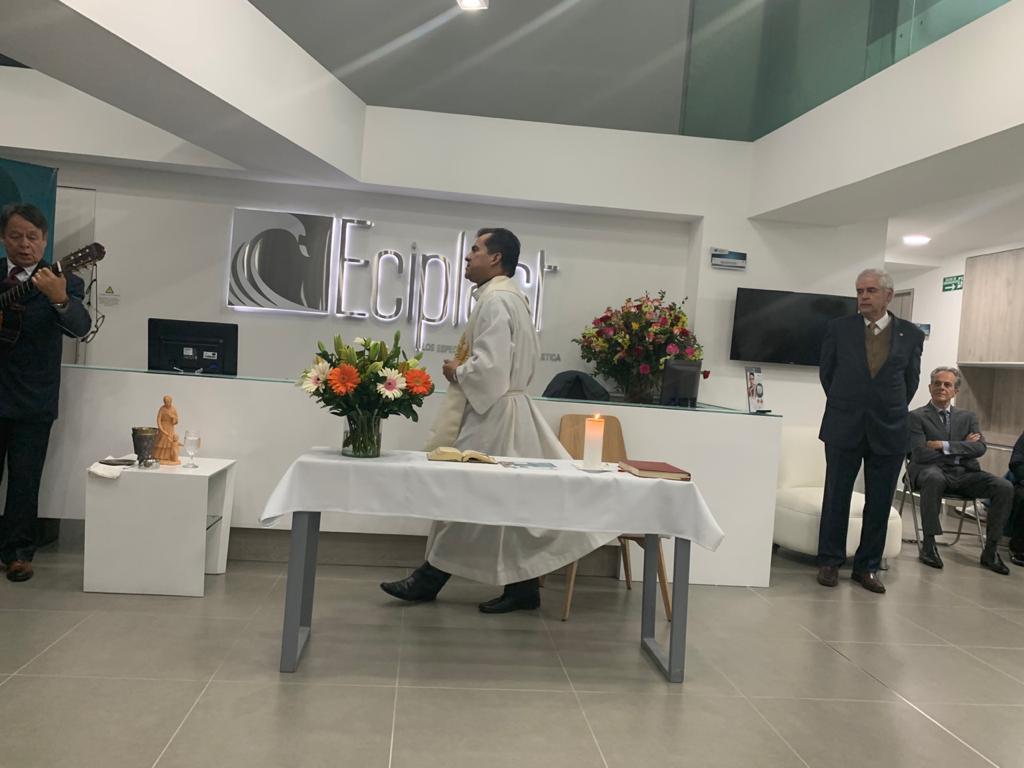 Especialistas en Cirugía Plástica inauguró su nueva sede 5