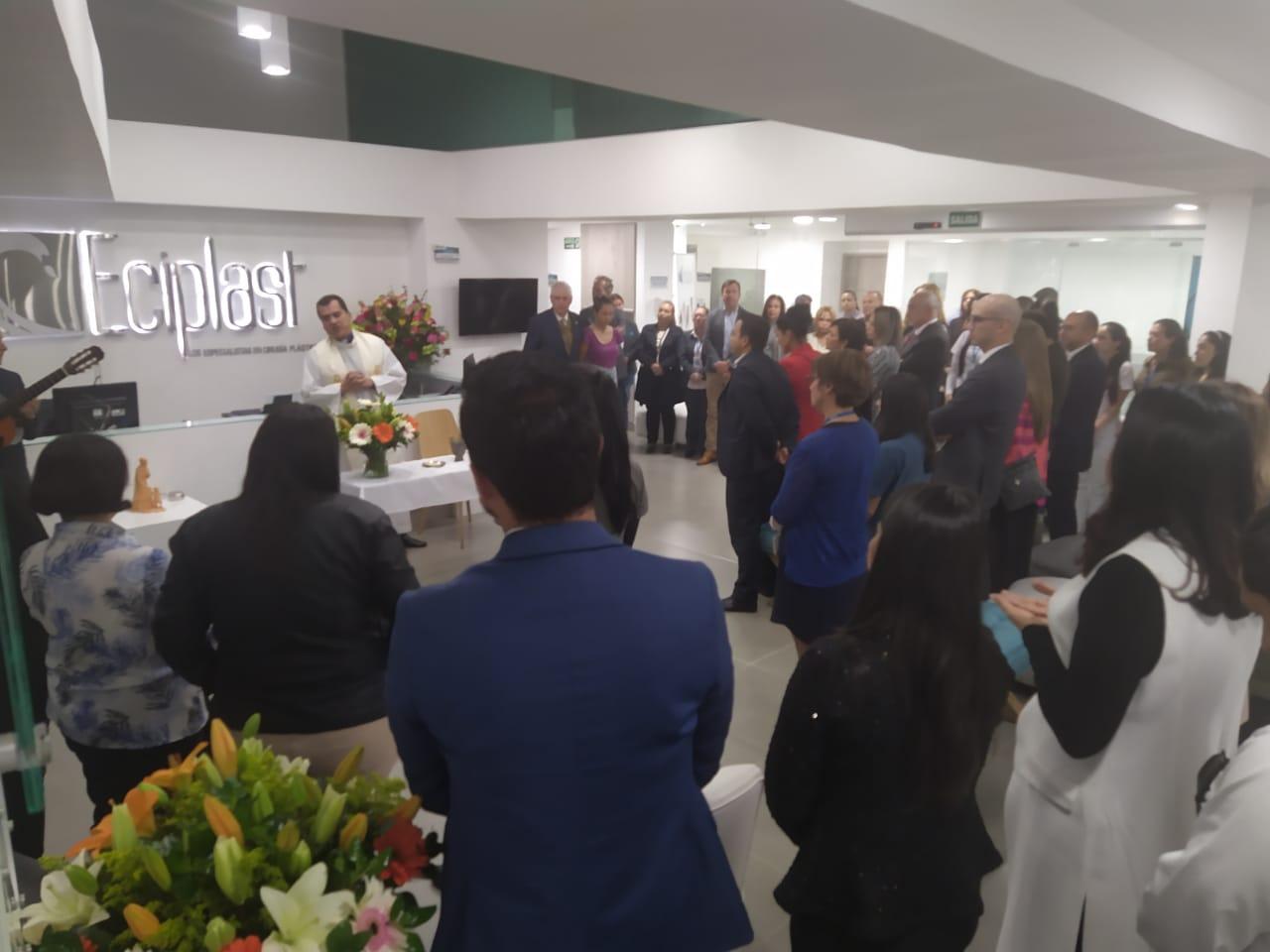 Especialistas en Cirugía Plástica inauguró su nueva sede 8