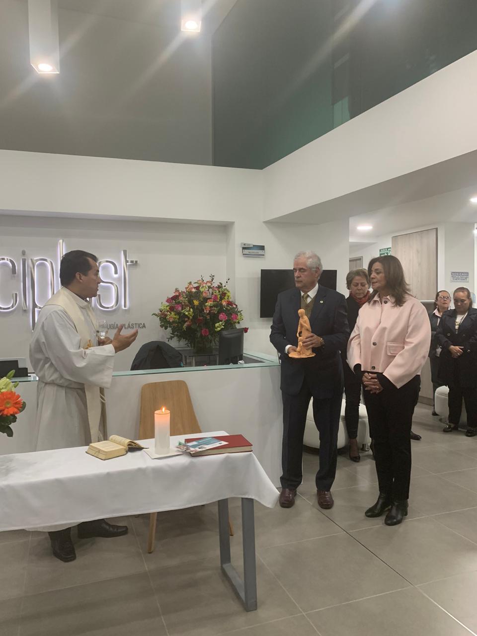 Especialistas en Cirugía Plástica inauguró su nueva sede 6